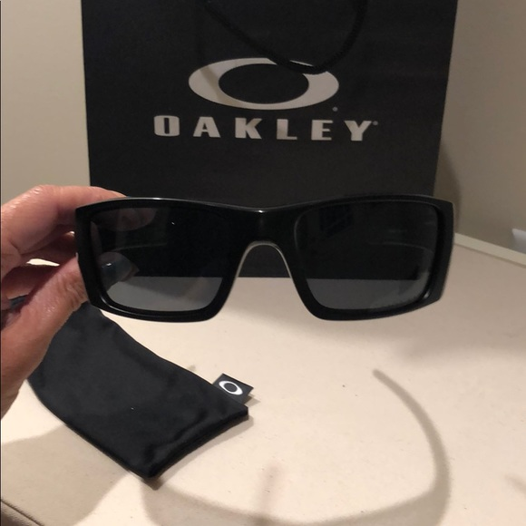 Oakley Fuel Cell Polarized >> Oakley Accessories Fuel Cell Polarized Sunglasses Poshmark